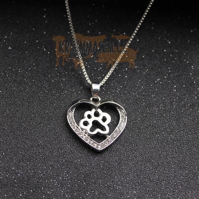 TLAPKA V SRDCI Č.1 náhrdelník s přívěskem - stříbrný 1ks